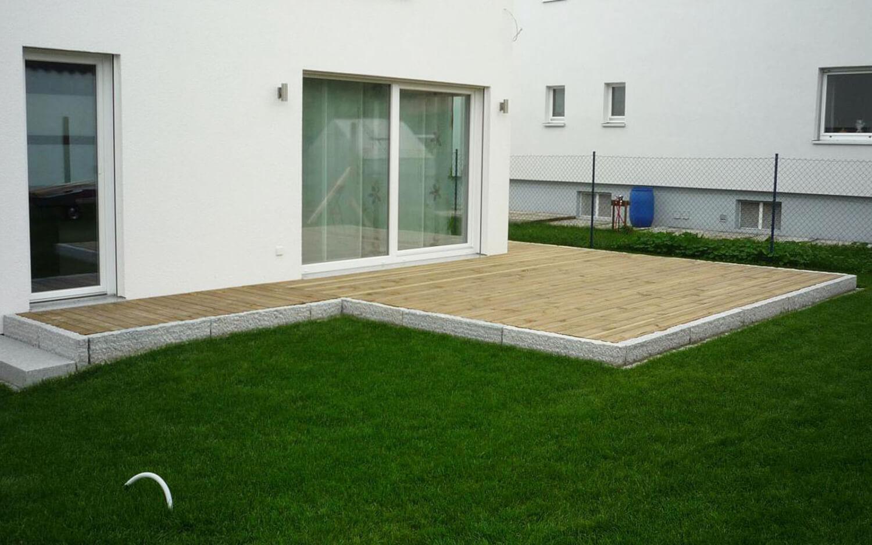 Terrassenbelag_Graniteinfassung